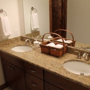 Bathroom Granite, Color: New Venetian
