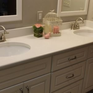 Double Vanity With White Stone